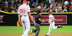 11-Run Inning Leads Diamondbacks Past Phillies